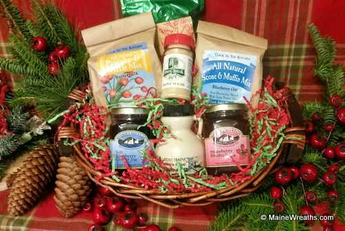 maine gift baskets from on the farm maine wreaths